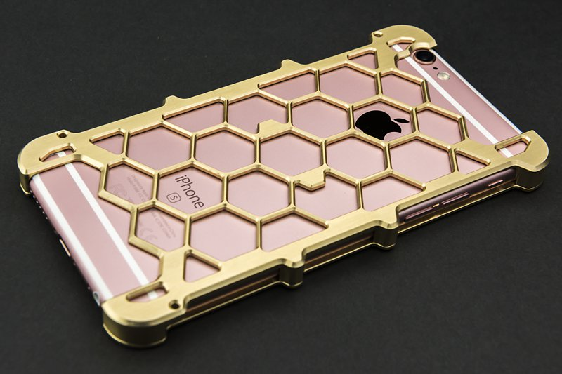 iPhone用プロテクターケース「brass」